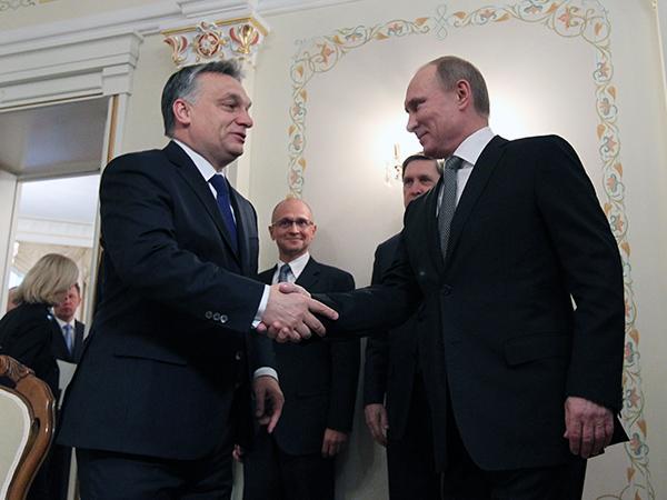 —Мне Лукашенко подсказал, что где-то здесь выдают безвозмездные кредиты...