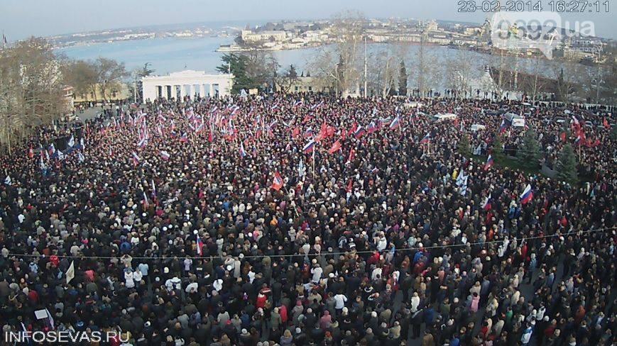 Огромные пророссийские митинги на востоке Украины (фото, видео)