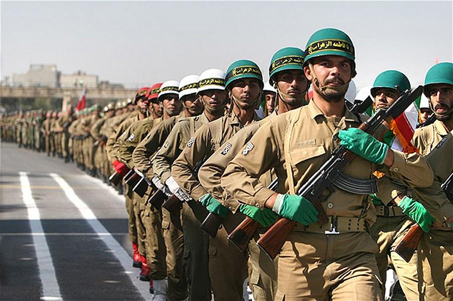 Iranian_Military_parade_September_2007_005
