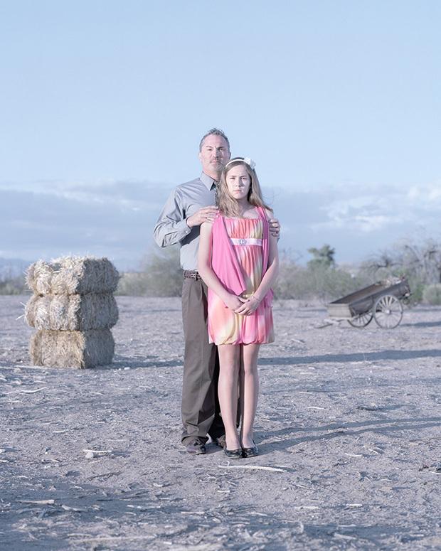 Секс дочь даёт отцу 16 фотография