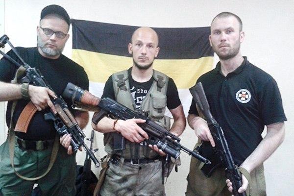 Настоящие патриоты, герои войны или члены экстремистской организации с националистической символикой? Еще есть время определиться.