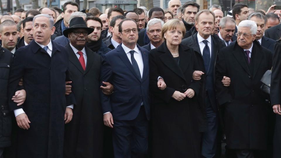 Париж, вчера. Когда мы увидим такое в Москве?
