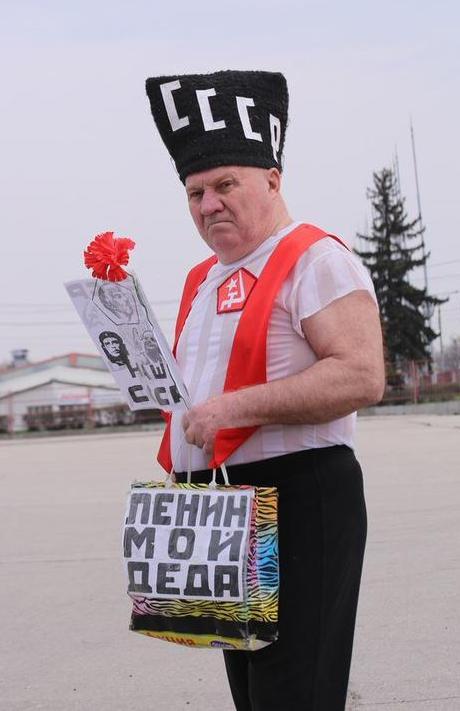Значительную часть своей жизни «деда Ленин» посвятил борьбе срусским национализмом илишению русского народа даже намеков насубъектность. Витоге вРСФСР даже небыло своей компартии иАкадемии наук.
