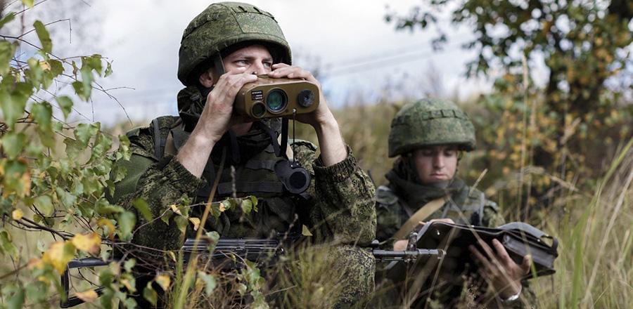 Солдаты ВС РФ на учениях, октябрь 2015 г.