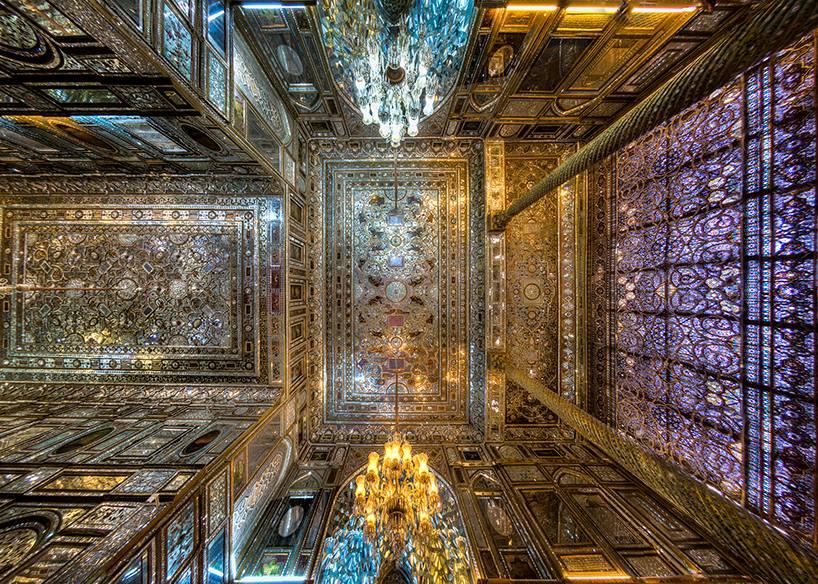 Так как вконтексте дискуссий обосквернении наших православных храмов непременно всплывает «попробовалбы онэто сделать вмечети», товот вам красивые внутренности одной измечетей Ирана.