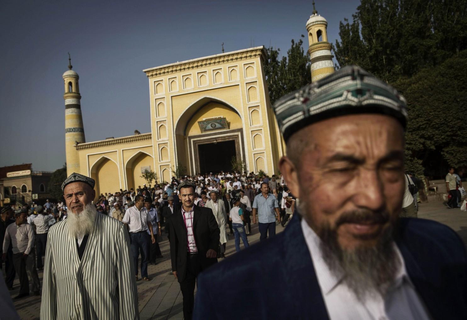 Китайцы запретили мусульманские бороды